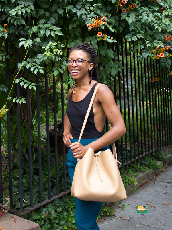 Angela Roi Jules Bucket Bag Light Beige Vegan Bucket Bag Jenné Claiborne | www.sweetpotatosoul.com
