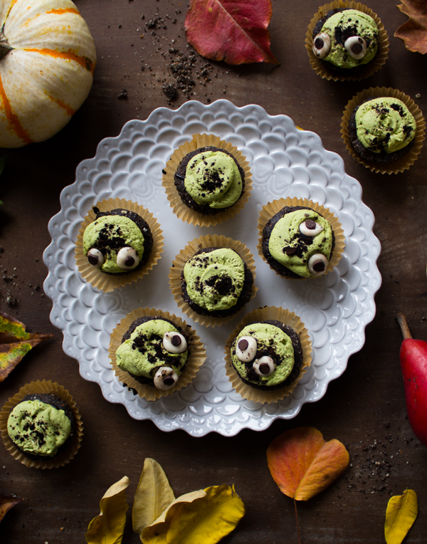 Halloween Raw Chocolate Matcha Cupcakes | sweetpotatosoul.com