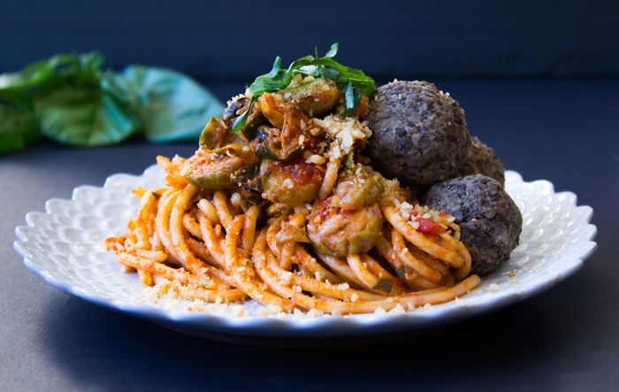 Vegan Lentil Meatballs and Spaghetti | www.sweetpotatosoul.com