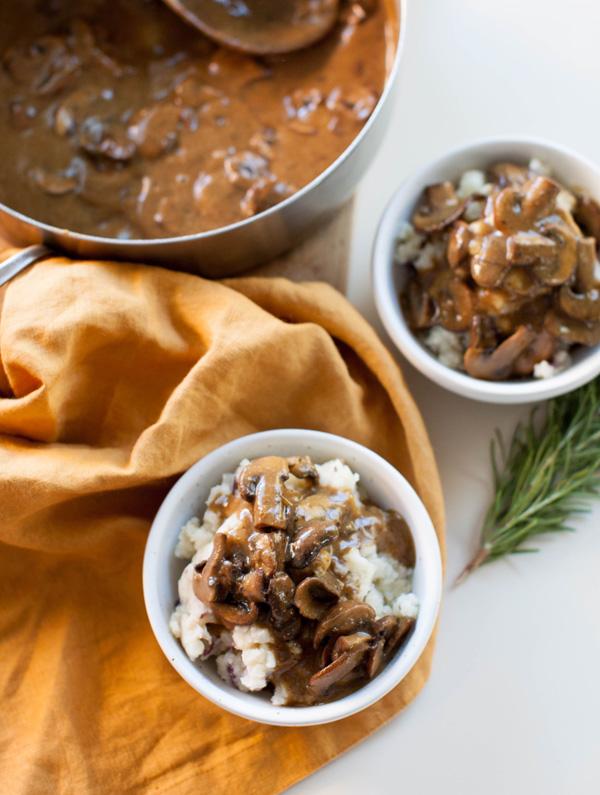 Mushroom Gravy and Vegan Mashed Potatoes   sweetpotatosoul.com