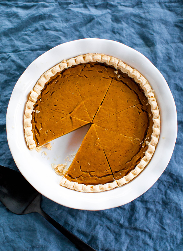 Vegan Pumpkin Pie | @sweetpotatosoul