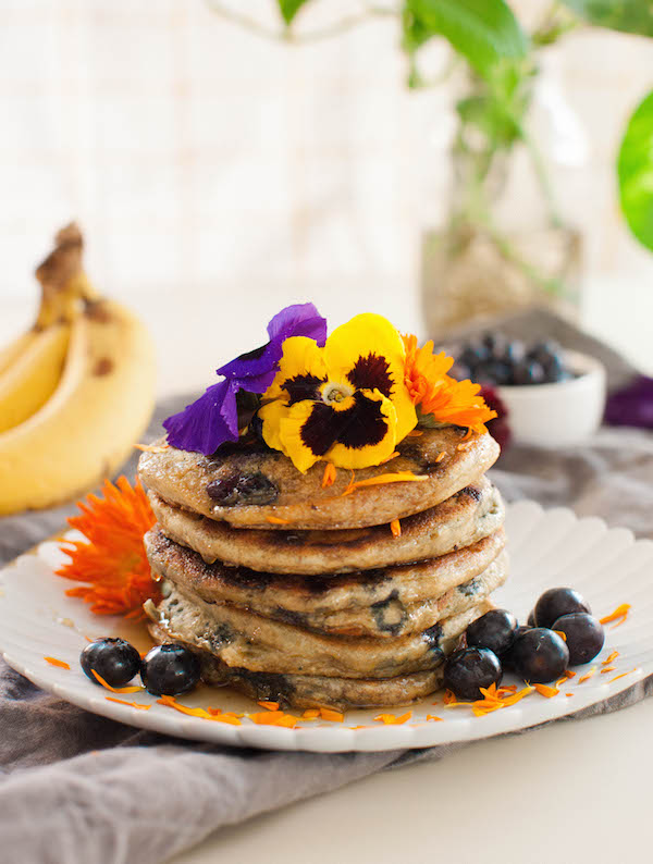 Vegan Whole Wheat Blueberry Pancakes | @sweetpotatosoul