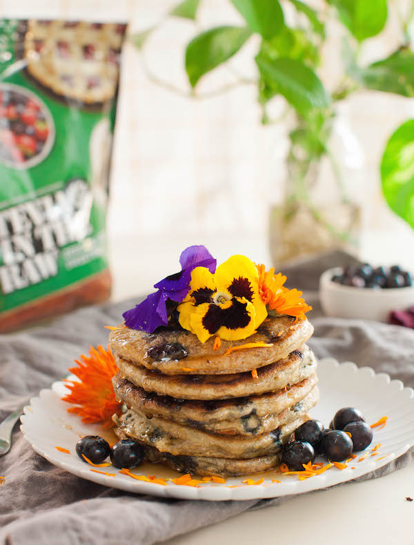 Vegan Blueberry Pancakes | @sweetpotatosoul