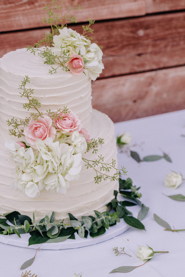 Perfect Vegan Wedding Cake by Baby Love Sweetery