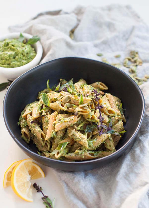 Avocado Pesto Pasta | @sweetpotatosoul