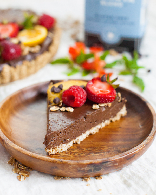 Oat Chocolate Mousse Tart | @sweetpotatosoul