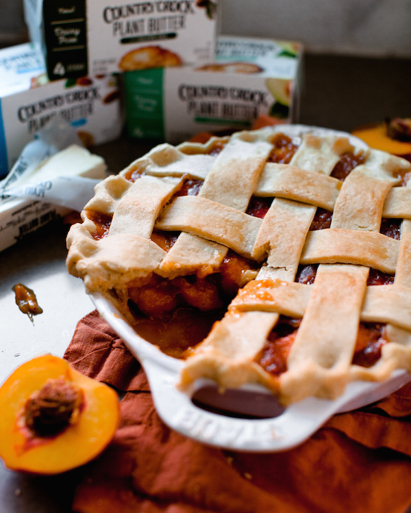 Vegan Peach Pie | @sweetpotatosoul