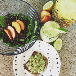 3 Ways to Eat an Avocado + Recipes| Sandwich, Salad, Smoothie