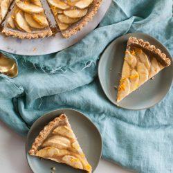 Vegan Apple Tart with Walnut Crust | @sweetpotatosoul