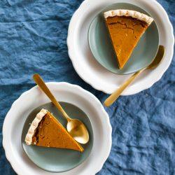 Vegan Pumpkin Pie | @sweetpotatosoul