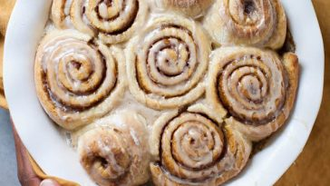 Vegan Gingerbread Cinnamon Rolls {VIDEO}