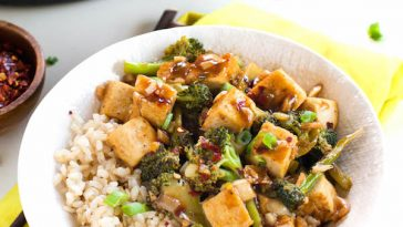 Broccoli Stir Fry with Crispy Tofu